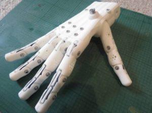 Anthromod: la mano robotica stampata in 3D controllabile con la mente