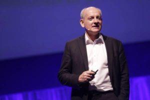 Stuart Russell: come avvicinare l'intelligenza alle macchine