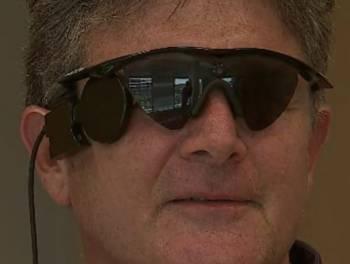 Gli occhi bionici di Steve McMillin