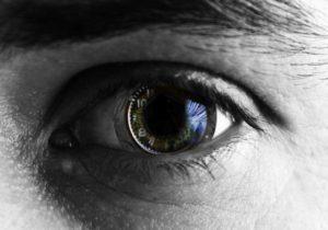 Gli occhi bionici che invieranno le immagini al cervello e recupereranno la vista