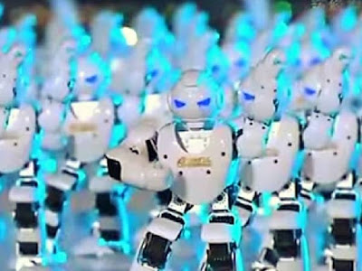 Una marea di robot e droni per il capodanno cinese 2016.