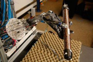 Sviluppata la mano robotica più sofisticata al mondo