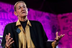 Martine Rothblatt: stamperemo nuovi corpi e vivremo per sempre attraverso internet