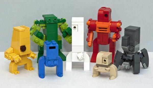 Diversi robot giocattolo