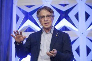 Ray Kurzweil: la tecnologia ci renderà più umani