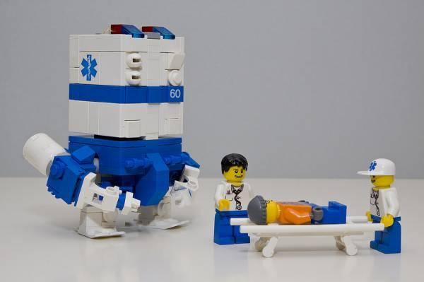 Come sarà il futuro della chirurgia? Robot e medici insieme.