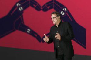 """Gerd Leonhard: """"La tecnologia ci cambia come esseri umani"""""""