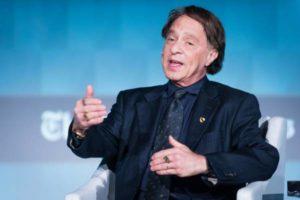 Ray Kurzweil sul futuro dell'economia con l'IA
