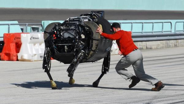 Offset: il programma della DARPA per controllare gruppi di robot in tempo reale