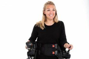 Sophie Morgan e la sua esperienza con l'esoscheletro Rex Bionics