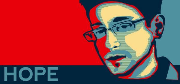 """Immagine stilizzata di Edward Snowden con la scritta """"Hope"""" (Speranza)"""