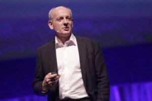 Stuart Russell: 3 princìpi per creare un'IA sicura