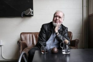 Kevin Kelly: il mito della superintelligenza artificiale in 5 punti