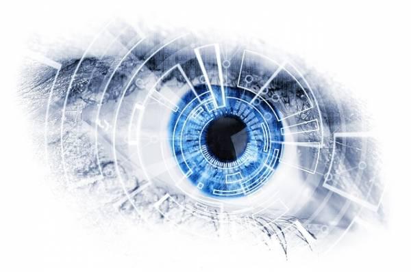Rappresentazione di un occhio potenziato con lenti bioniche