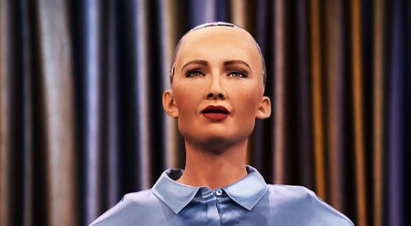 Il robot Sophia sviluppato dalla Hanson Robotics