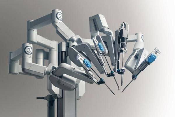 Un robot per la chirurgia