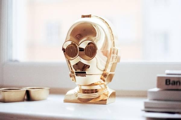 La testa del robot C-3PO di Star Wars